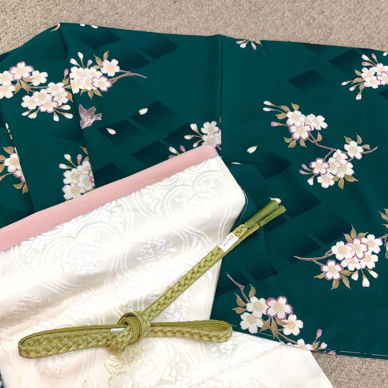 洗える着物 濃い緑地 桜文様