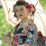 三重県伊勢市で振袖・振袖レンタルを扱っておりますおく宗です。振袖を着ることの意味について。
